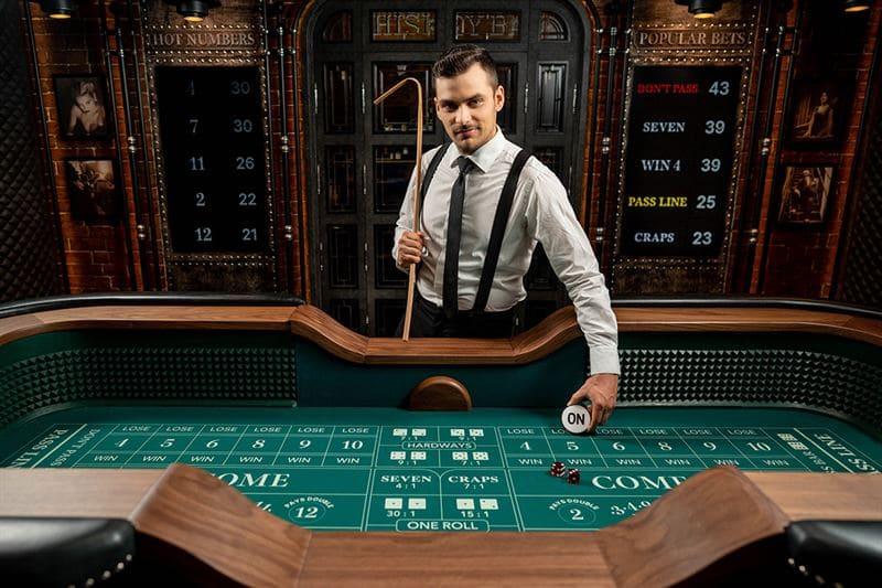 Spela craps från Evolution i live casino