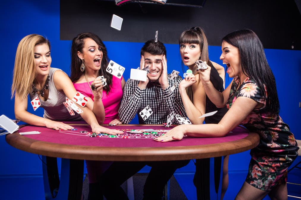 Spela Blackjack Party i live casino